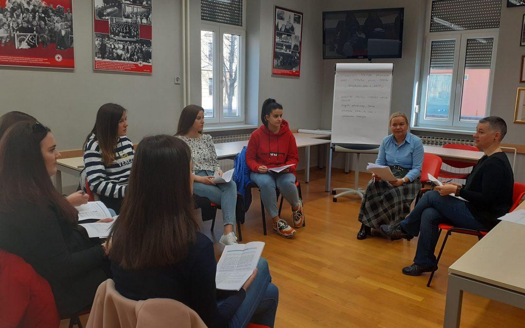Studenti socijalnog rada na terenskoj praksi u Crvenom križu Zagreb
